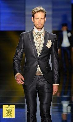 100% made in Italy men's suit from the collections of Cleofe Finati by Archetipo 2016. Trajes para novios italianos de la colección 2016 de Cleofe Finati por Archetipo.