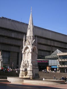 Chamberlain Memorial - in front of Paradise Forum / Birmingham, UK Birmingham Central Library #england