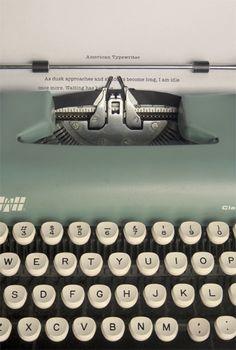Typemachine van fotograaf Tom Davie via 101 Woonideeën blog