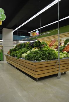 Beau jardins verts très abundant   Supermarkets grocery store designs