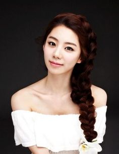 Park Soo Jin to take over for Yoo In Na as special DJ on 'Volume Up' radio for 10 days Elegant Hairstyles, Pretty Hairstyles, Wedding Hairstyles, Hairstyles Haircuts, Step By Step Hairstyles, Braided Hairstyles Tutorials, Bambam, Hair Styles 2014, Long Hair Styles