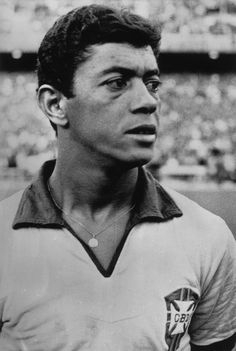 Amarildo - Meia, pelo Botafogo jogou 238 vezes e marcou 135 gols. Teve participação fantástica na Copa de 1962, quando substituiu Pelé e ajudou o Brasil a ser bicampeão. Foi também ídolo na Itália, tendo sido campeão pelo Fiorentina, em 1969.#jorgenca