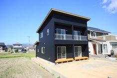 Architecture in Japan Villa Design, Black House, Exterior Design, Custom Homes, Shed, Outdoor Structures, Living Room, Architecture, House Styles