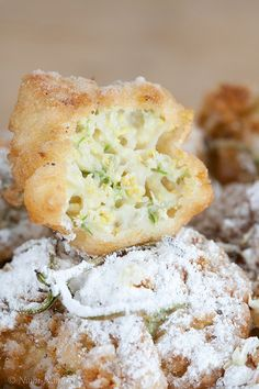 Delicious and crispy elderflower fritters by Pille @ Nami-Nami