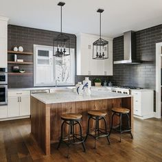 Consider Installing Kitchen Islands To Go With Your Unique Kitchen Design – Home Dcorz Home Decor Kitchen, New Kitchen, Home Kitchens, Kitchen Ideas, Island Kitchen, Awesome Kitchen, Warm Kitchen, Small Kitchens, Beautiful Kitchen