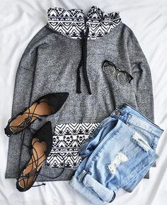 $24.99 now,Free shipping&Easy Returns +Refund! Don't wait any longer to get this baby in your closet. Turn a hooded sweatshirt with geometric printing into a fall outfit. Show off your fashionista status.Get it immediately at Cupshe.com !