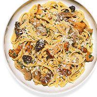 Fettuccine with mushrooms - Rachael Ray Dinner Dishes, Pasta Dishes, Main Dishes, Italian Dishes, Italian Recipes, Pasta Recipes, Dinner Recipes, Dinner Ideas, Rachel Ray Recipes