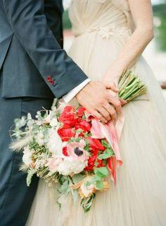 Nice flower bouquet  | wedding | | flower bouquet | | wedding bouquet | | wedding flowers | | bridal blooms | #wedding #weddingbouquet #weddingflowers #bridalblooms https://www.modernromancetravel.com/