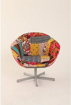 patchwork chair {via Pinterest user 'college' board}