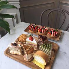 food, cake, and dessert image Think Food, I Love Food, Good Food, Yummy Food, Kolaci I Torte, Food Goals, Cafe Food, Aesthetic Food, Aesthetic Photo