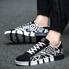 New Fashion Design Men Awesome Black White Canvas Shoes Flats Casual Shoes