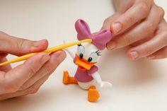Daisy duck tutorial.