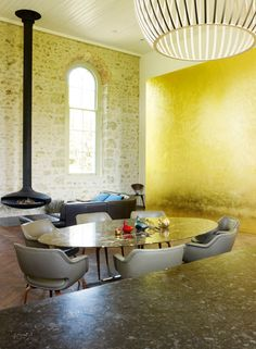 former Methodist chapel Chapel Conversion, Church Conversions, Room Interior Design, Interior Styling, Interior And Exterior, Gold Walls, Modern Architecture, Interior Inspiration, House Exteriors