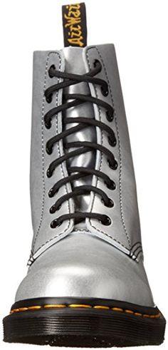 67a605aa82187e Dr Martens 1460 Damen Stiefel Grau  Amazon.de  Schuhe   Handtaschen