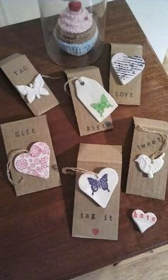 Gift tags made from cornstarch and Bicarb of soda (baking soda in US) from a… Christmas Makes, Christmas Crafts For Kids, Homemade Christmas, Christmas Projects, Diy Clay, Clay Crafts, Paper Crafts, Craft Gifts, Diy Gifts