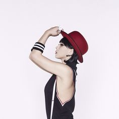 Red hat is a great stand out piece. | Chaelin (CL)