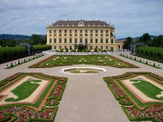 Schönbrunn Palace is a former imperial 1,400-room Rococo summer residence in Vienna, Austria. Description from weddingphotography.com.ph. I searched for this on bing.com/images