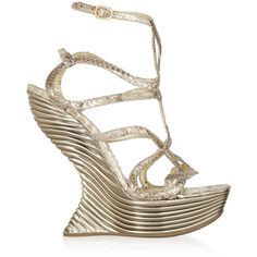 Alexander McQueen Metallic snake-effect leather sandals (€1.440) ❤ liked on Polyvore featuring shoes, sandals, heels, alexander mcqueen, wedges, gold, strap heel sandals, strappy heeled sandals, metallic wedge sandals and platform heel sandals
