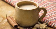 Le fameux « chaï », thé aux épices de l'Inde, gagne en popularité ces dernières années. Aromatique et souvent servi bien sucré, l'expérience d'un savoureux chaï en hiver se compare à un bon chocolat…