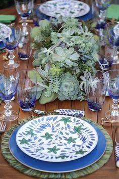 Preparamos uma mesa linda com a apaixonante coleção Cafezal da talentosa Tania Bulhões.