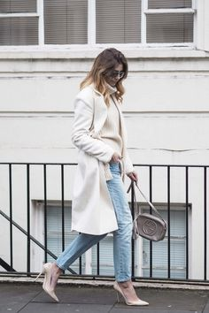 cream winter coat, boyfriend jeans, chunky knit jumper, gucci disco bag, nude court shoes, chic winter outfit
