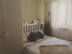 Schlafzimmer.. ich glaube dich werde ich am meisten vermissen.. du warst klein aber so schön! #interiordetail  #interiordesign #interiorblogger #germaninteriorbloggers #solebich #meinzuhause #schlafen #schlafzimmer #bedroom