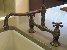 Kitchen faucet in a farmhouse style House Building, Building Ideas, Showroom, Farmhouse Style, Faucet, Sink, Bathtub, Kitchen, Home Decor