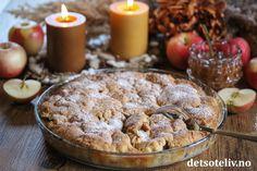 Denne enkle eplepaien tar bare noen minutter å lage i stand, så enkel er den! Eplene legges i bunnen av formen, og så legges deigen bare på toppen av eplene i små klatter. Under stekingen smelter deigen og brer seg om eplene. Server kaken varm og nystekt, gjerne med iskrem og hjemmelaget salt karamellsaus. Mmmm... utrolig godt! Diy Bralette, Baileys, Yummy Cakes, Cereal, Muffin, Breakfast, Desserts, Food, Heaven