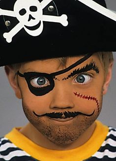 When you think about face painting designs, you probably think about simple kids face painting designs. Many people do not realize that face painting designs go beyond the basic and simple shapes that we see on small children. Pirate Kids, Pirate Halloween, Pirate Day, Halloween Make Up, Halloween Face, Diy Pirate Costume For Kids, Face Painting Designs, Paint Designs, Pirate Face Paintings