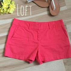 Loft shorts Gently used, excellent condition! Inseam 4in top to bottom 12in. Size 2 LOFT Shorts Skorts
