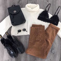 Winter look ( ) Cord trousers, roll neck jumper, dms, backpack Cute Casual Outfits, Simple Outfits, Stylish Outfits, Stylish Girl, Casual Chic, Winter Fashion Outfits, Fall Winter Outfits, Winter Tips, Style Année 80