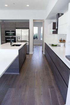Modern Luxury Kitchens For A Grand Kitchen Kitchen Room Design, Luxury Kitchen Design, Luxury Kitchens, Home Decor Kitchen, Kitchen Living, Interior Design Kitchen, Home Kitchens, Cottage Kitchen Cabinets, Modern Kitchen Cabinets