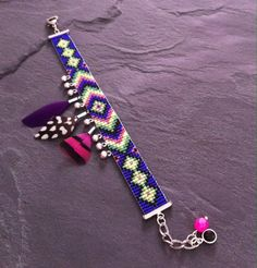 geometric friendship bead loom Cuff Bracelet with silver charms and feathers. Loom Bracelet Patterns, Bead Loom Bracelets, Bead Loom Patterns, Beading Patterns, Motifs Aztèques, Seed Bead Jewelry, Seed Beads, Tear, Loom Beading