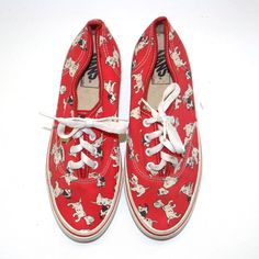 For your eyes only fashion Disney Inspired Outfits, Disney Outfits, Disney Style, Disney Clothes, Mode Masculine, Vans Usa, Sneakers Shoes, Disney Vans, 101 Dalmatians