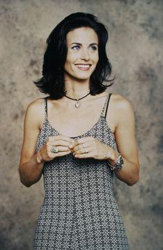 Friends - Season 1: Courteney Cox as Monica Geller #friendsseason1 #courteneycox #1994