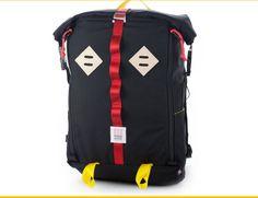 Gear Patrol: Topo Designs Rolltop - Best All-Around Commuter Bag Laptop Backpack, Black Backpack, Backpack Bags, 17 Laptop, Backpack Straps, Roll Top, Urban Bags, Back To School Bags, Commuter Bag