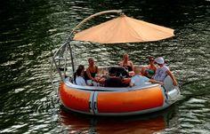 Schon was vor an Ostern? ...  Wie wäre es mit einer Saar-Grillboot-Party? Für den Kapitän allerdings nur alkoholfreie Getränke. Und ein wärmendes Jäckchen könnte dieses Jahr auch nicht schaden.  :-)