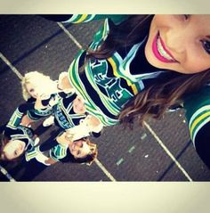 Cheerleading picture. Stunting