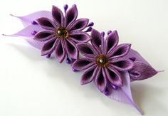 Kanzashi fabric flower hair clip. Purple kanzashi. Purple por JuLVa