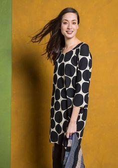 Kläder från XS till stora storlekar upp till XXL. Hitta kläder i stora  storlekar bb43a294f981b