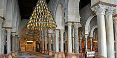 La Tunisie est l'un des pays les mieux conservés. Riche de douze siècles d'histoires, elle recèle aujourd'hui encore de très nombreux monuments. Entre palais, musées, mosquées, maisons d'hôtes… on ne sait plus où donner de la tête. TUNISIE.co vous propose une série de monuments traditionnels d'une beauté extraordinaire.
