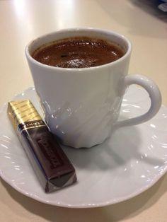Coffee Talk, Coffee Is Life, Coffee Love, Black Coffee, Coffee Break, Coffee Shop, Coffee Cubes, Coffee Drinks, Red Bull Drinks