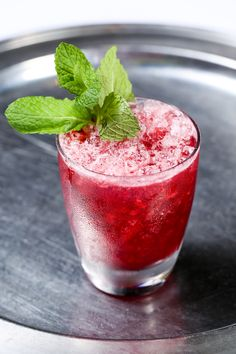 This summer, Southern Art and Bourbon Bar,celebrity chef Art Smith's  Atlanta outpost located at the InterContinental Buckhead Hotel,will be  offering a variety of refreshing cocktails to help guests stay cool under  the blazing sun. One cocktail in particular, called Bramble, is the perfect  cocktail to serve during during the hot summer months, as well as simple to  make!  This cocktail is made with Four Roses Yellow, lime juice, simple syrup,  crème de cassis, strawberries, blackberries…