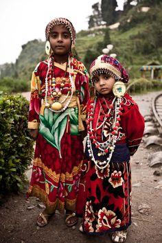 Darjeeling, India☆♥♥»✿❤❤✿«☆ ☆ ◦●◦ ჱ ܓ ჱ ᴀ ρᴇᴀcᴇғυʟ ρᴀʀᴀᴅısᴇ ჱ ܓ ჱ ✿⊱╮ ♡ ❊ ** Buona giornata ** ❊ ~ ❤✿❤ ♫ ♥ X ღɱɧღ ❤ ~ Wed 25th Mar 2015