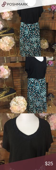 Avenue black and teal polka dot skirt outfit Avenue black and teal polka dot skirt size 26/28W. Chiffon and fully lined. Approx measurements are 54 inch stretchy waist and 30 inches long. 100% Polyester. New with tags. Faded Glory black t shirt. Size 4X. Approx measurements are  60 inch circumference and 28 inches long. Pre owned but in good condition slightly faded with wash. 100% cotton.  Please check out all pictures. Read full description of the items. Avenue Skirts Midi