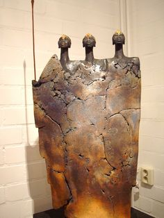 Billedresultat for Jikke van de Waal - Bijma Keramiek Sculptures Céramiques, Sculpture Art, Ceramic Sculptures, Ceramic Clay, Ceramic Pottery, Pottery Angels, Terracota, Ceramic Figures, Pottery Sculpture