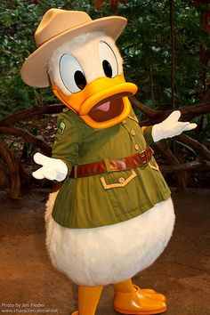 WDW Oct 2011 - Meeting Donald Duck | by PeterPanFan