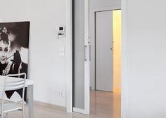 Sistema adatto all'installazione di punti luce vicino alla porta scorrevole.