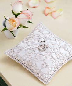 Heart's Desire Ring Bearer Pillow Crochet Pattern  #redheartyarns