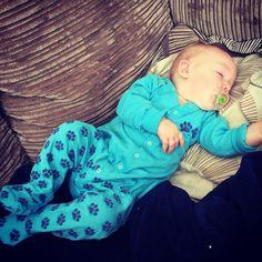 Getting to grips with Crawling is hard work :-) #crawling #crawlerz #baby #snooze www.crawlerz.co.uk